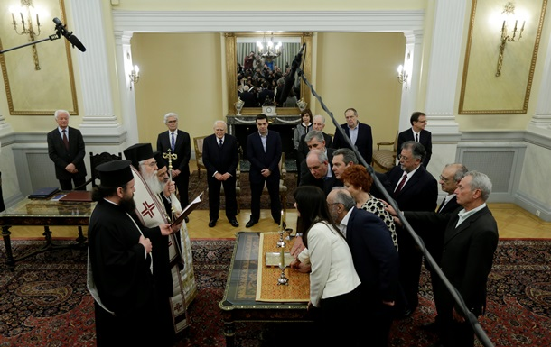 Новое правительство Греции принесло присягу