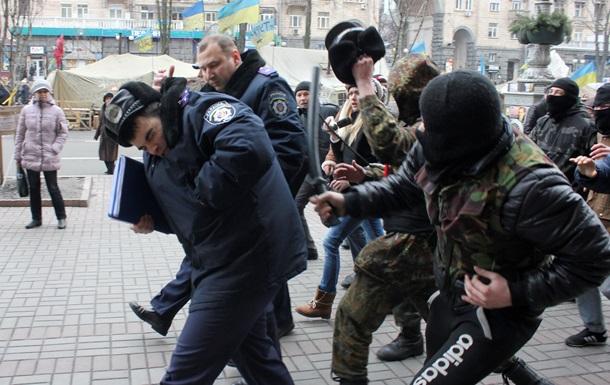 Свежая кровь МВД. Зачем украинцы массово подались в милицию