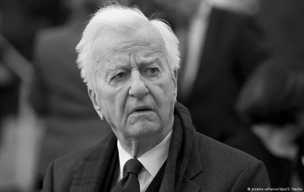 Умер экс-президент Германии Рихард фон Вайцзеккер