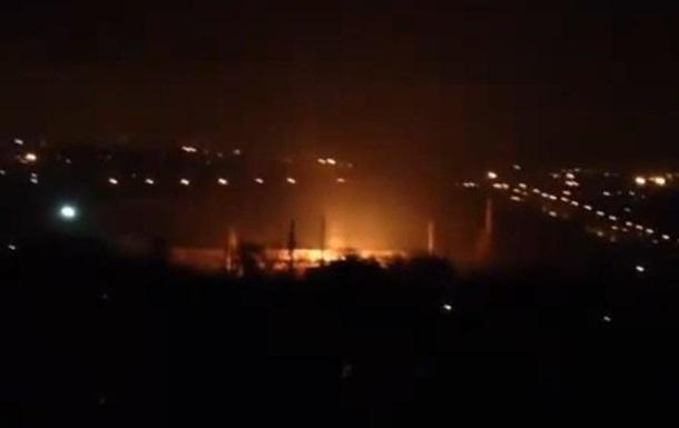 Донецк. Завод ЛКУ на Боссе горит 1.02.1015
