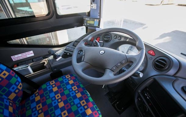 Неизвестные обcтреляли пассажирский автобус в Риге