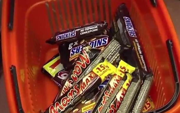 Без Snickers и Twix. Во Львове супермаркет отказался от российских товаров