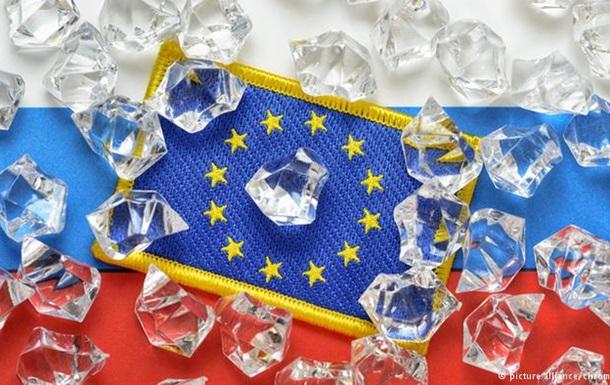 Страны Балтии призвали расширять санкции против России