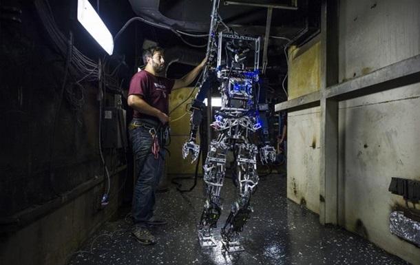В США военные испытали человекоподобного робота