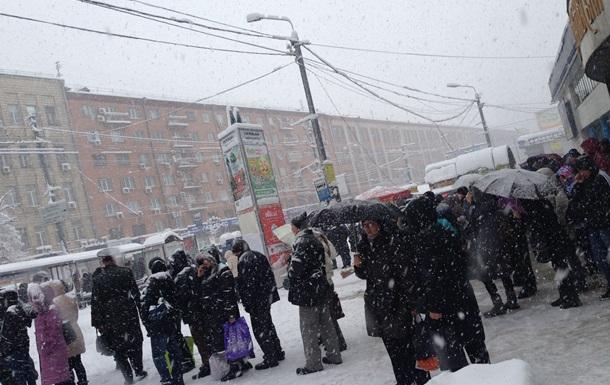 Снегопад и пробки в Киеве