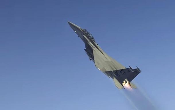 Пентагон показал взлет космической ракеты с самолета
