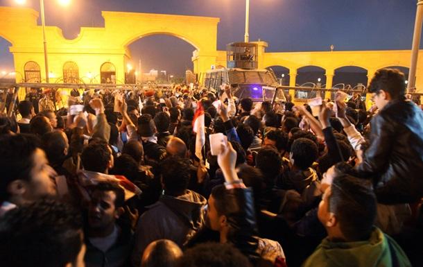 Драка фанатов и полиции в Каире: погибли 14 человек