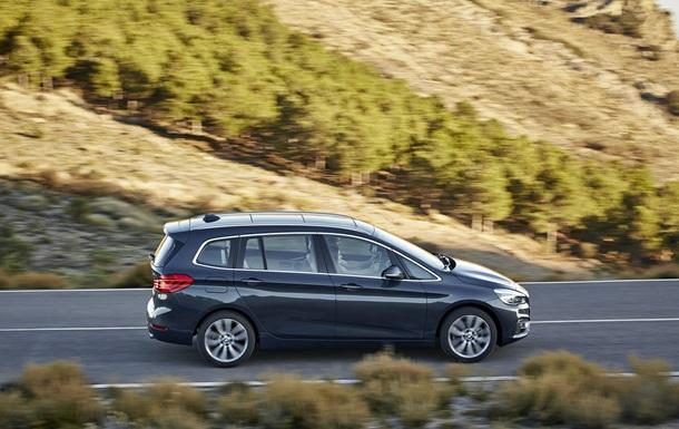 Компания BMW представила новую версию компактвэна 2-Series