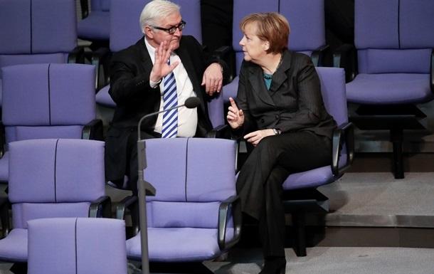 Меркель вылетела на переговоры в Минск