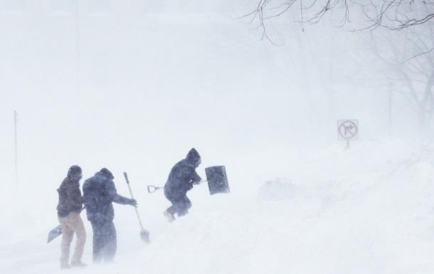 Север США снова засыпало снегом: фоторепортаж