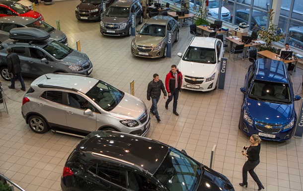 Импорт легковых автомобилей в Украину в 2014 году сократился на 64%