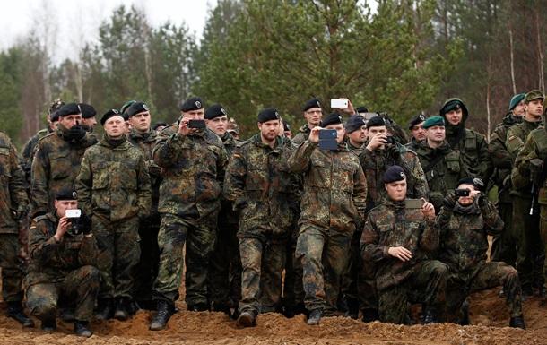 Германия не будет направлять военных инструкторов в Украину