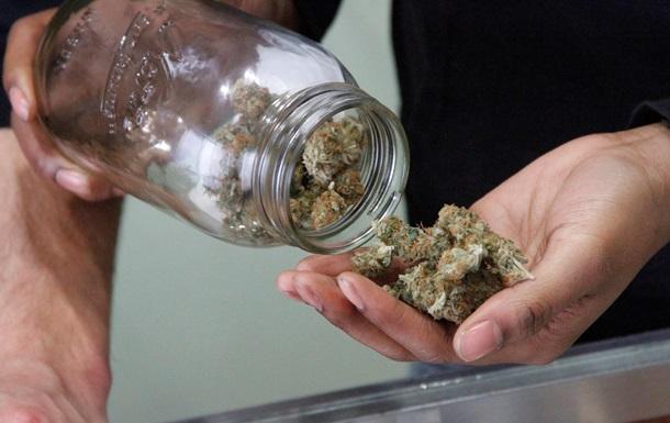 Польский священник арестован за курение марихуаны с подростками