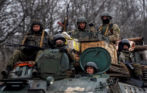 Перемирие на Донбассе: потери солдат и движение войск