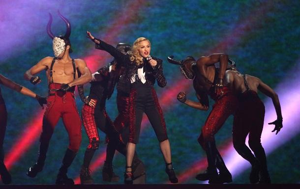 Мадонна сравнила Францию с нацистской Германией