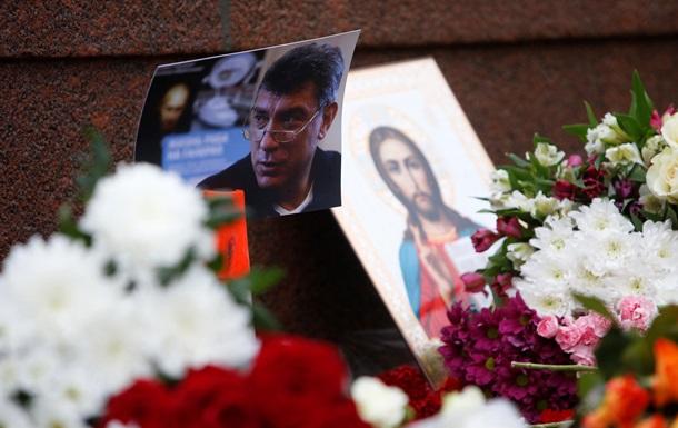 Оппозиция и Запад требуют раскрыть убийство Немцова