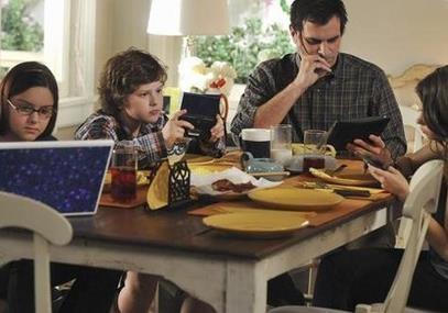 Десять надзвичайних фактів про використання комп'ютерів та  мобільних телефонів