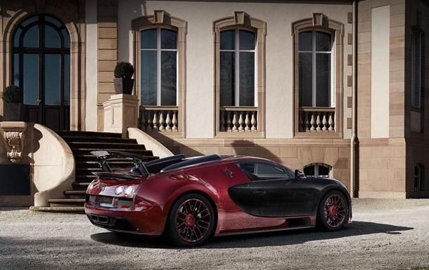 Опубликованы снимки последнего в истории Bugatti Veyron