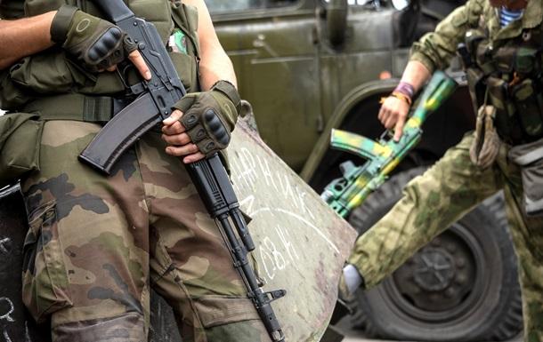 Въезд в Днепропетровск контролируют неизвестные с автоматами