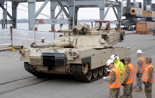 США начали переброску танков и трех тысяч солдат на Балтику