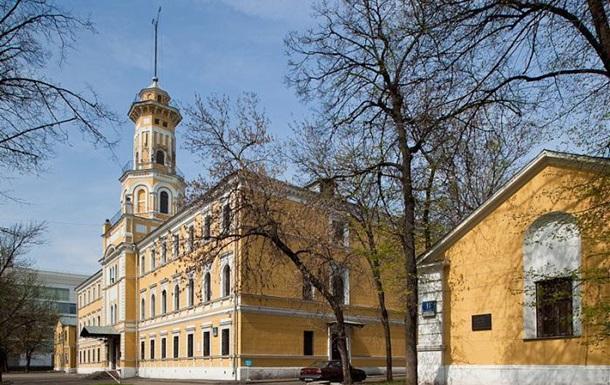 В Москве неизвестный захватил заложников в музее МВД