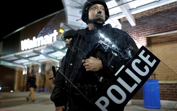 Глава полиции американского Фергюсона ушел в отставку