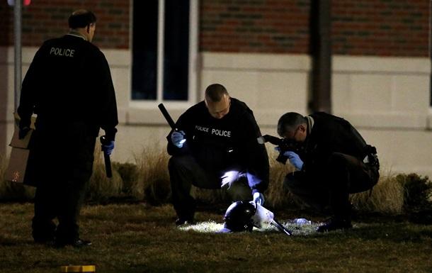 На акции протеста в Фергюсоне ранены двое полицейских