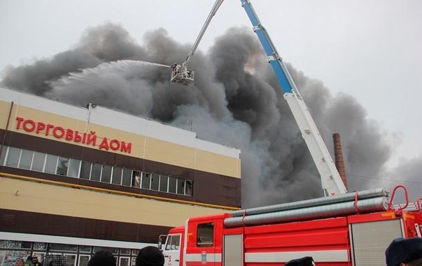 Увеличилось количество жертв пожара в торговом центре Казани