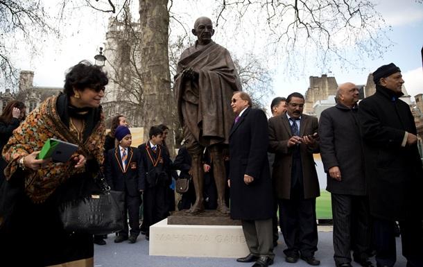 В Лондоне появился памятник Махатме Ганди