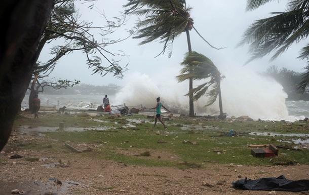 Ураган разрушил более 90 процентов зданий в Республике Вануату