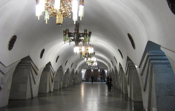 В харьковском метро под колесами поезда погибла женщина