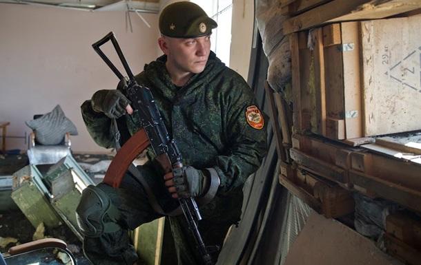 Порошенко заявил, что на Донбассе воюют сто тысяч человек