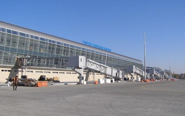 Во львовском аэропорту взрывчатку не нашли
