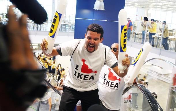 IKEA запретила играть в прятки в своих магазинах