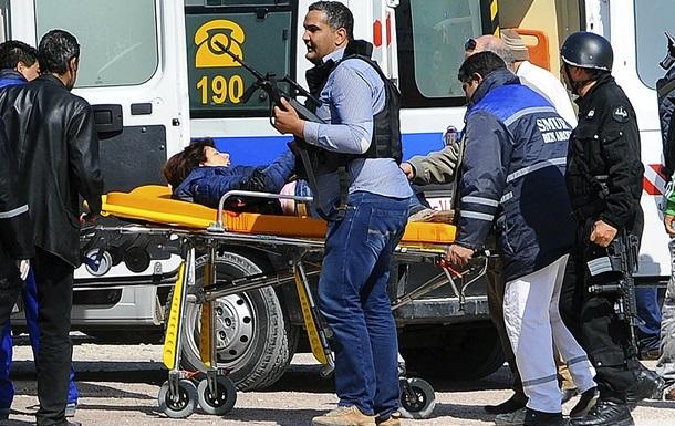 Число жертв нападения террористов в Тунисе увеличилось