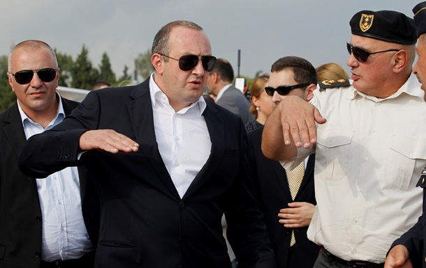 Президент Грузии отказался ехать в Москву на День Победы