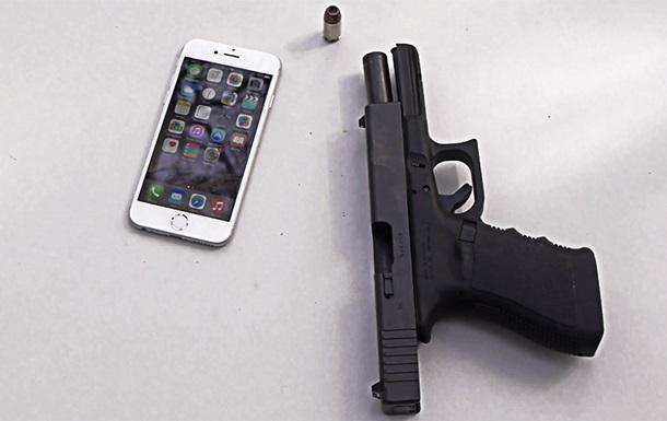 Apple vs пуля: американец устроил iPhone 6 огнестрельный краш-тест