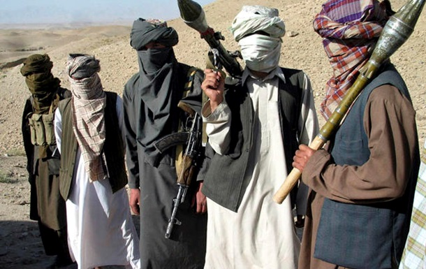 Нападение на автобус в Афганистане: 13 погибших