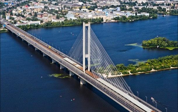 На Южном мосту в Киеве до 30 марта ограничат движение