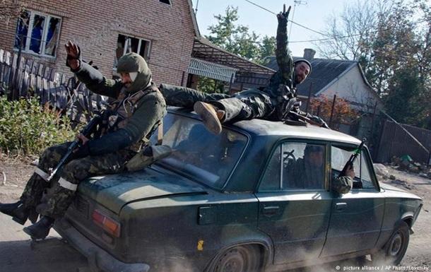 Немецкие рэперы прославляют  ополченцев  Донбасса - DW