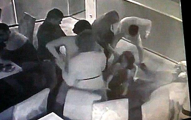 В Днепропетровске объявлен в розыск мужчина, избивший 8 марта женщин в кафе
