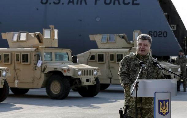 Всю партию бронемашин Humvee Украина получит до 9 мая - Порошенко