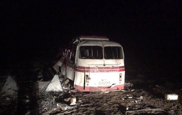 Уточнено количество пострадавших от взрыва автобуса под Артемовском
