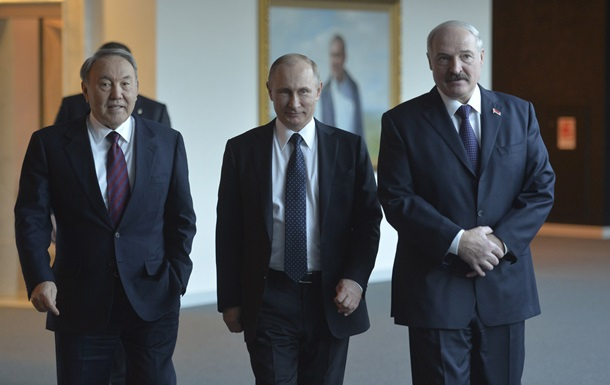 Эксперты: Минск будет тормозить введение единой валюты