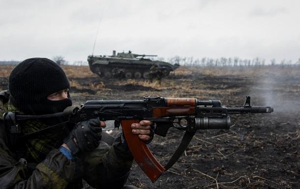 В результате обстрела Трехизбенки ранены двое военных