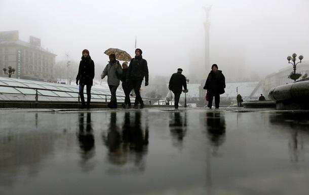 Непогода оставила без света 222 населенных пункта Украины