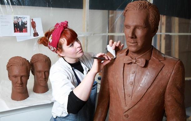 Британцы сделали Бенедикта Камбербэтча из 500 плиток шоколада
