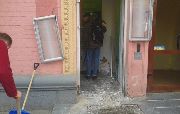Возле еще одного банка в Киеве нашли взрывчатку