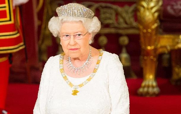 Елизавета II пожаловалась, что подарки для королевской семьи  уже не те
