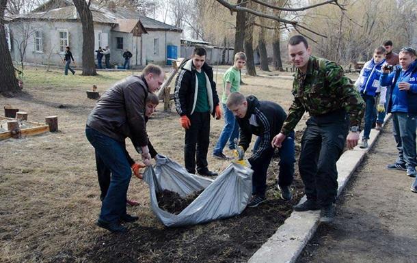 Славянск год спустя: жители ищут работу и боятся ходить на улицу